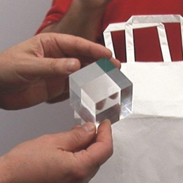 El cubo de cristal con explicaciones en vídeo